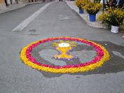 Santissimo Sacramento disegnato con i fiori